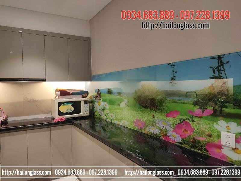Lắp đặt kính ốp bếp 3D tại King Palace 108 Nguyễn Trãi
