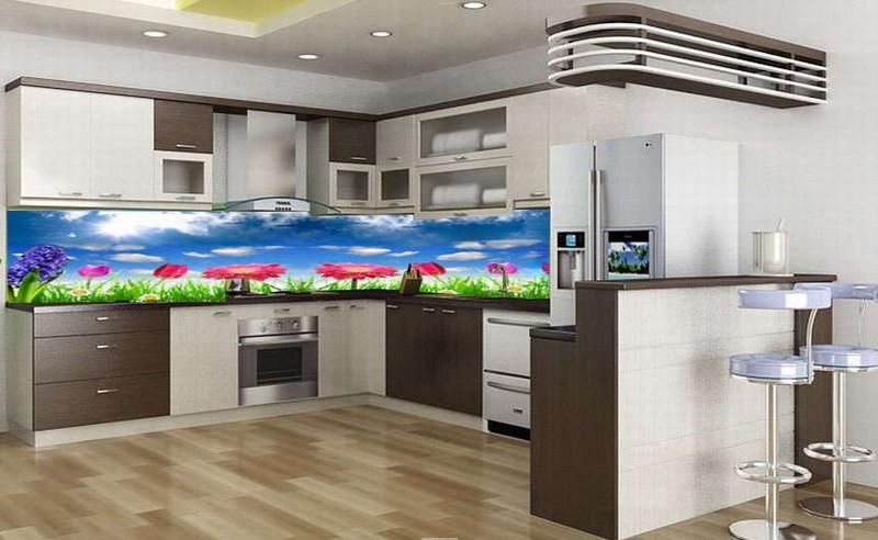 Kính ốp nhà bếp với màu sắc hiện đại
