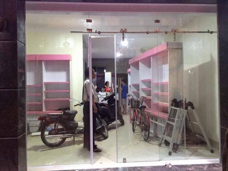 Đơn vị thi công cửa thủy lực chất lượng tại Hà Nội