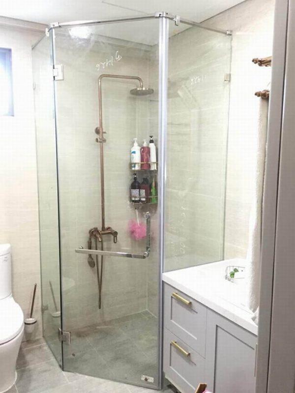 Cabin phòng tắm 135 độ