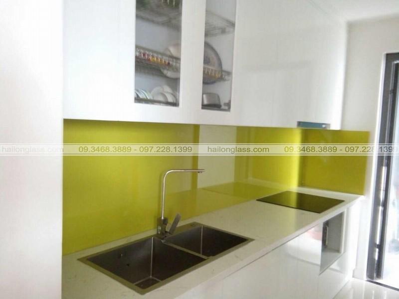 Dịch vụ ốp tường bếp bằng kính chất lượng giá cạnh tranh