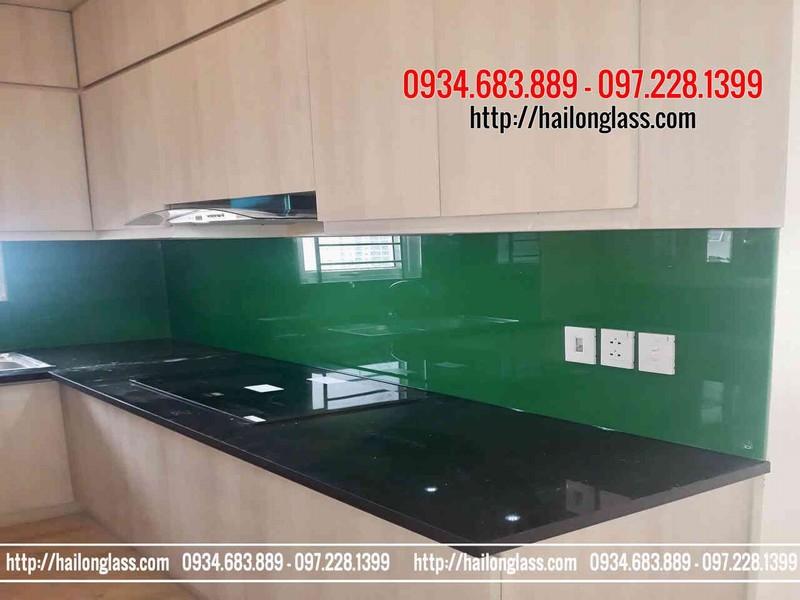 Kính ốp bếp màu xanh lá - kính bếp đẹp