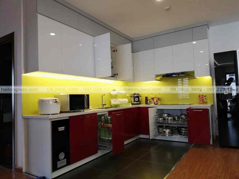 Báo Giá Kính Màu Ốp Bếp tại Hoàng Mai - Hà Nội