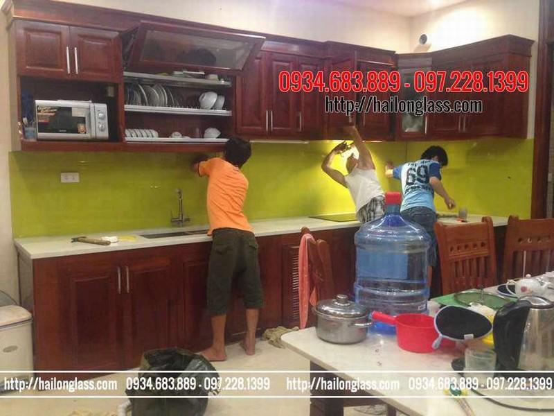 Kính Ốp Bếp Màu Vàng Chanh thi công tại TT10 KĐT Văn Phú - Hà Đông