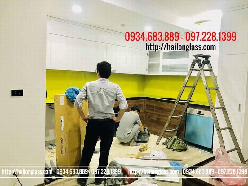 Kính Cường Lực Bếp Màu Vàng Chanh lắp đặt tại CC Ecolife Tố Hữu - Từ Liêm - Hà Nội