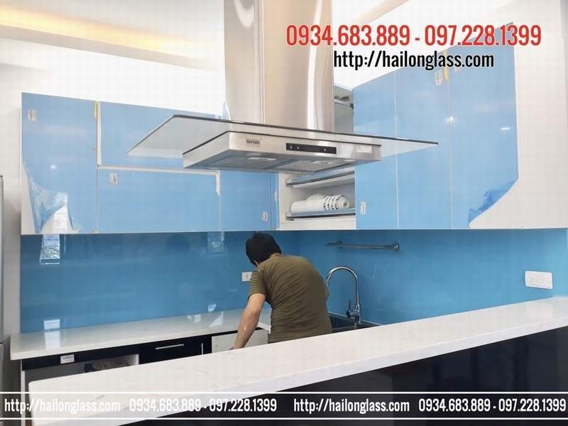 Báo Giá Kính Sơn Ốp Bếp Màu Xanh Dương thi công tại Phú Diễn - Hà Nội
