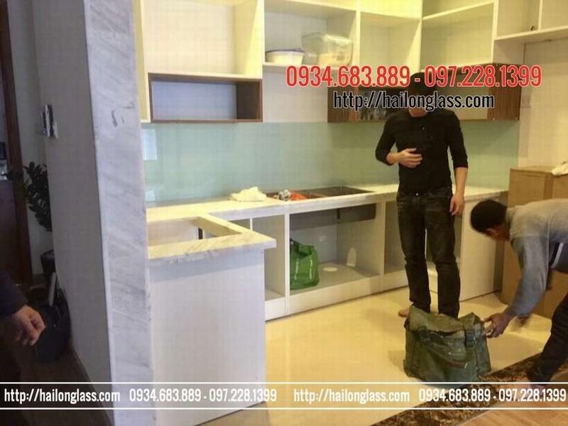 Báo Giá Kính Màu Ốp Bếp Trắng Xanh thi công tại Trung Kính - Trung Hòa - Cầu Giấy