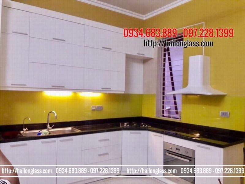 Kính ốp bếp màu vàng chanh. Giá kính màu ốp bếp tại Hà Nội