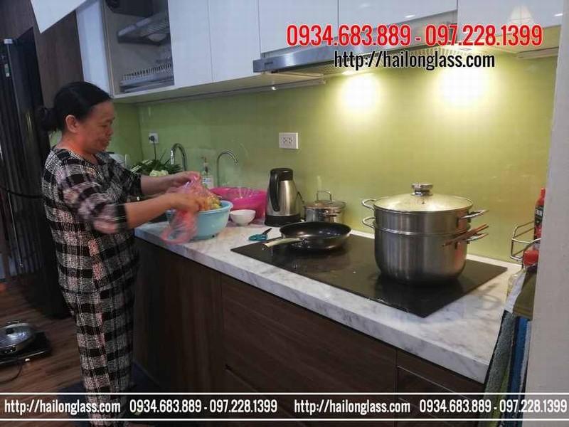 Báo Giá Trọn Gói Kính Ốp Bếp Màu Vàng Sữa tại Nghĩa Tân, Cầu Giấy, Hà Nội