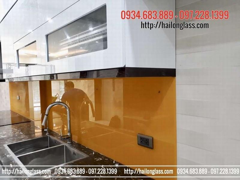 Báo Giá Kính Ốp Tường Bếp Màu Vàng Thư lắp tại Duy Tân - Cầu giấy