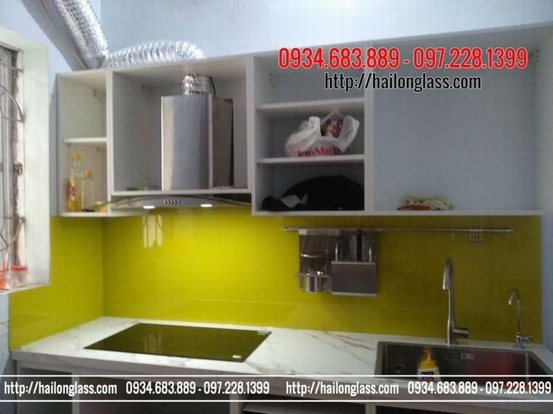 Kính Dán Tường Bếp Màu Vàng chanh lắp đặt tại Hà Đông - Kính Ốp Bếp Màu Vàng Chanh thi công tại Hà Đông