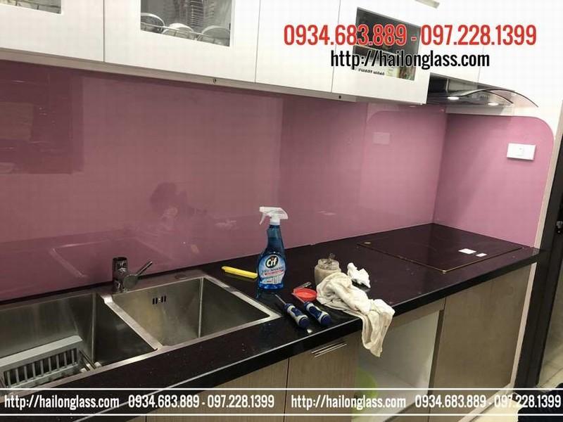 Kính màu giá rẻ tại Hà Nội - kính ốp bếp màu hồng kim sa