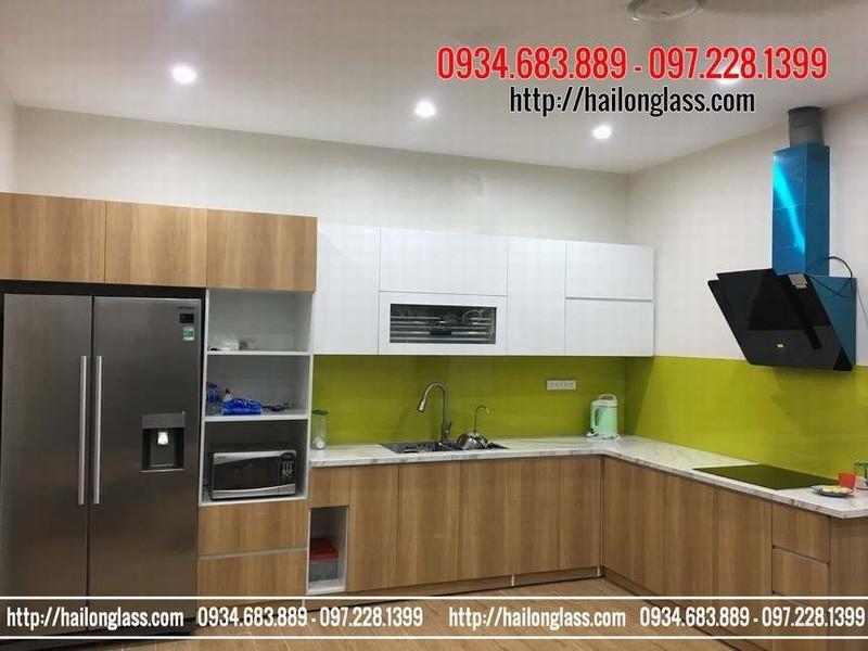 Báo giá Lắp đặt kính cường lực ốp tường bếp màu vàng chanh tại Quan Hoa