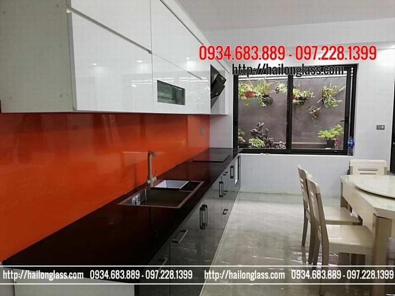 Lắp đặt kính bếp tại Hà Nội - Kính ốp bếp màu cam đỏ
