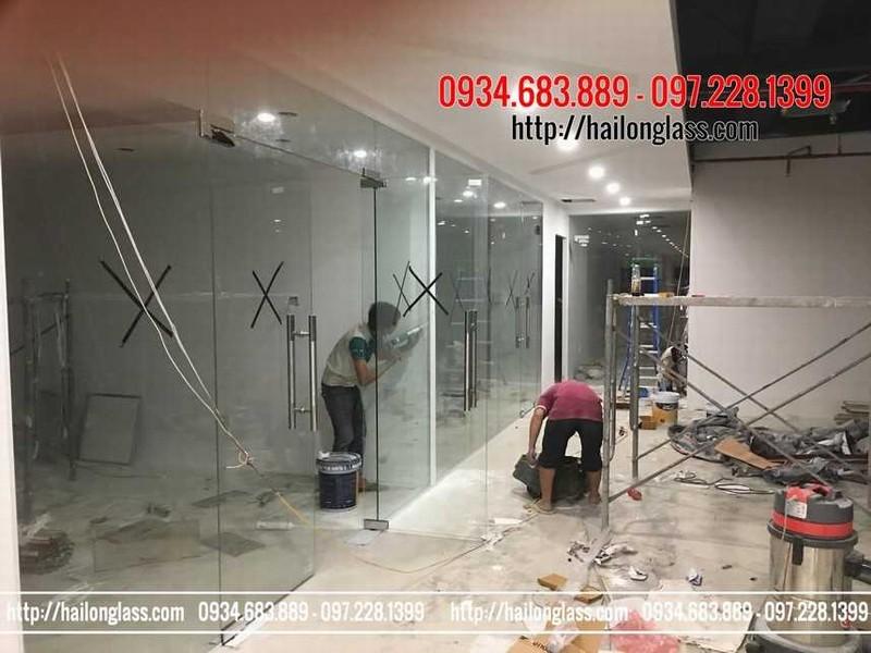 Thi công cửa kính cường lực tại Hà Nội