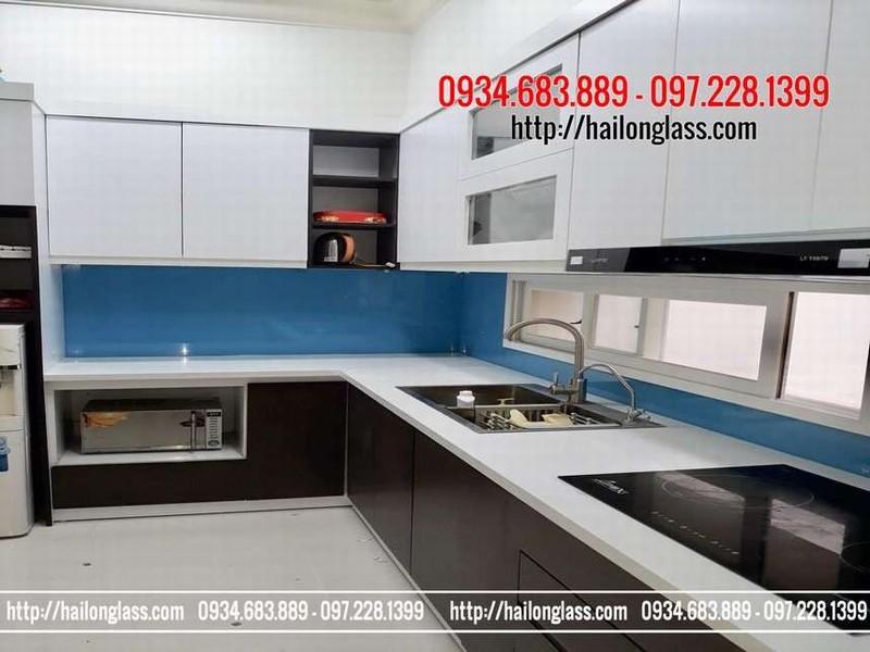 Báo giá Kính ốp bếp màu xanh dương