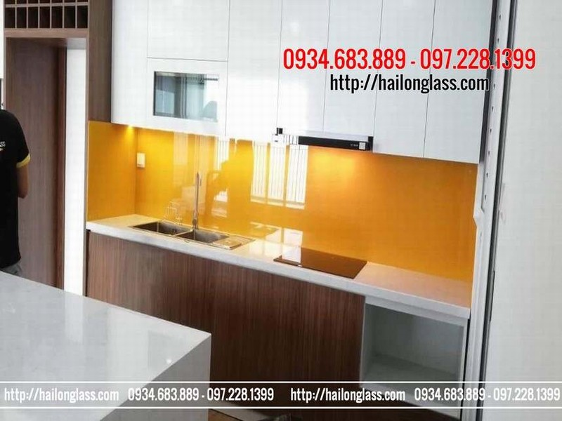 Kính sơn màu giá rẻ tại Hà Nội - kính ốp bếp màu vàng thư
