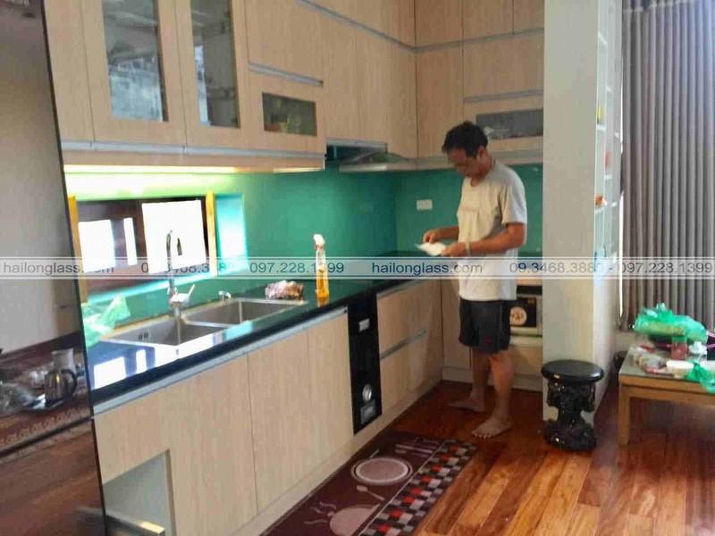 Báo giá kính màu ốp bếp tại Hà Nội