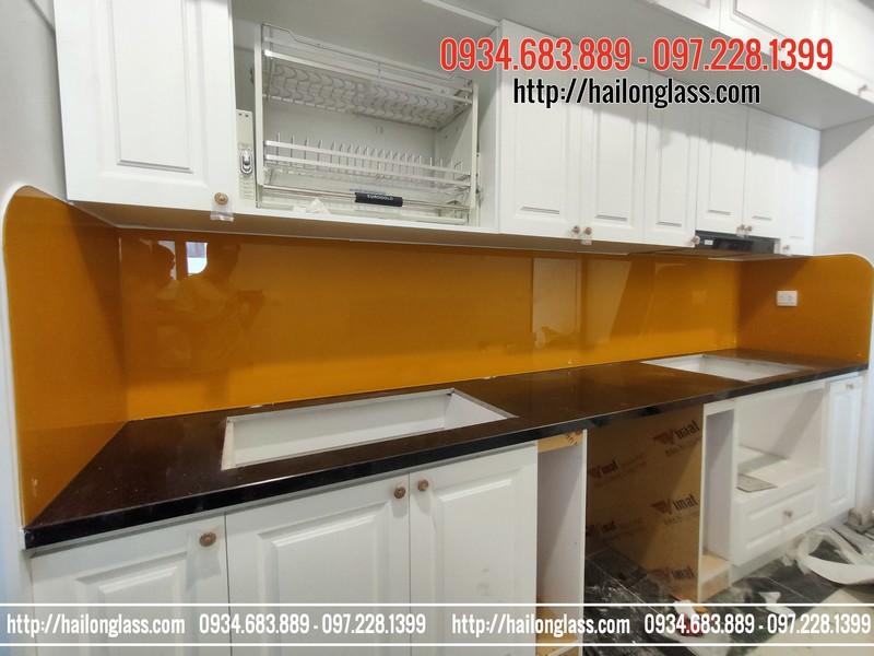 Kính ốp tường bếp Màu Vàng nghệ