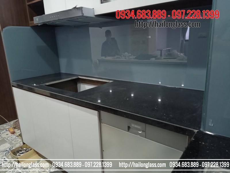 Kính ốp tường bếp Màu Ghi