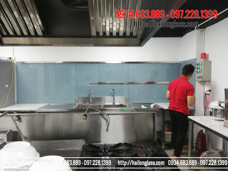 Kính Ốp Bếp Màu Ghi