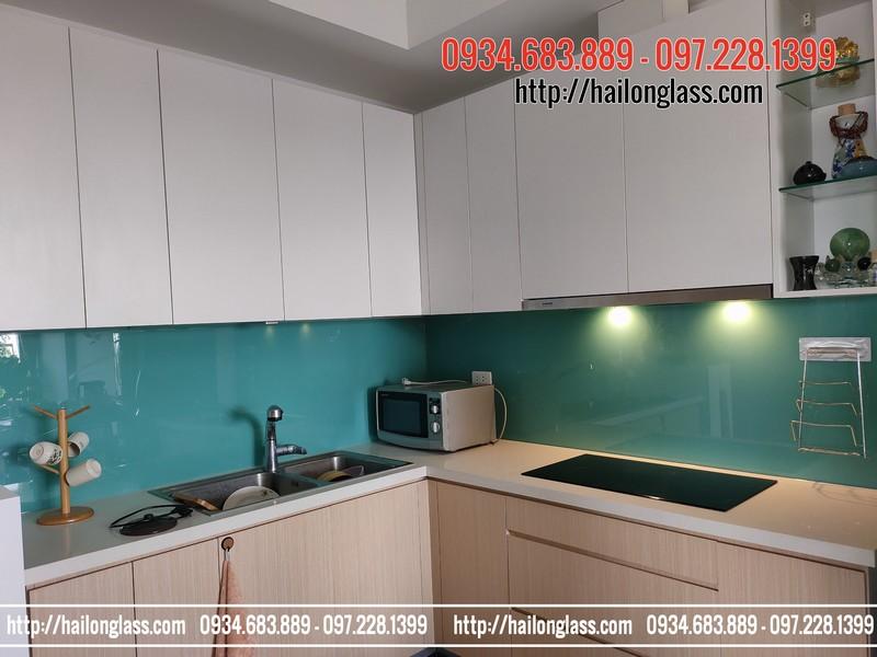 Kính ốp bếp màu xanh Ngọc Hải Long