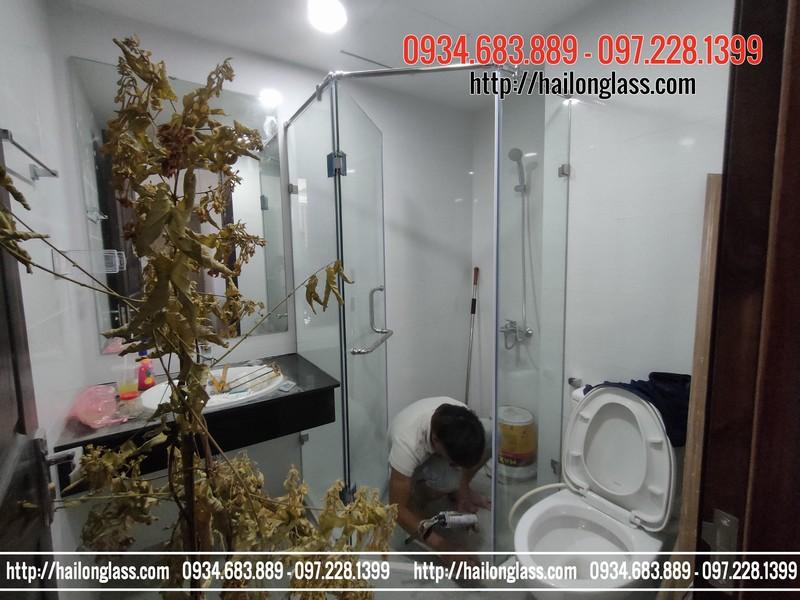 Kính phòng tắm cường lực 135 độ phụ kiện VVP